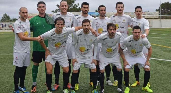 La Peña triunfa en el campo del Poblense (1-2)